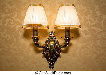 Elegant old style wall lamp