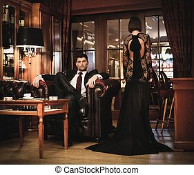 elegant, paar, in, gala, in, luxus, kabinett