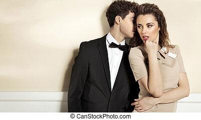elegant, paar, junger, sinnlich, kleidung