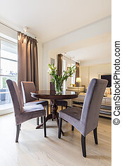 Elegant round table