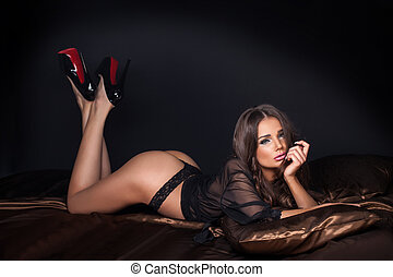 elegant, sexy, brünett, frau, in, bed.