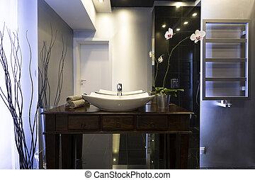 Elegant shining bathroom - Elegant dark shining bathroom ...