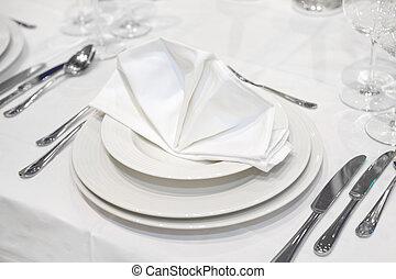 Elegant wedding dinner in white
