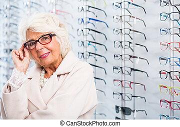 elegante, 3º edad, lentes, mujer
