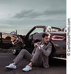 elegante, car, inclinar-se, homem, luxuoso