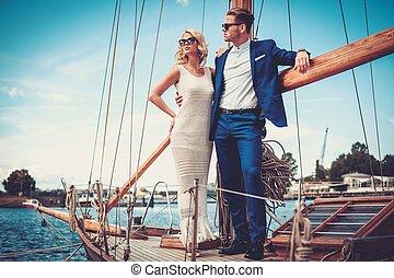 elegante, coppia, yacht, lusso, ricco
