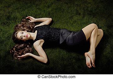 elegante, descalzo, mujer