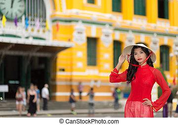 elegante, mujer, joven, rojo, vietnamita