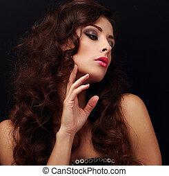 elegante, pelo rizado, mujer, looking., brillante, modelo,...