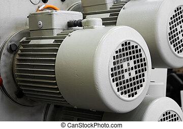 elektrický, motory