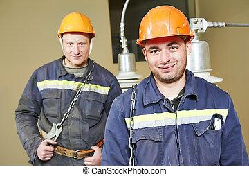 elektriker, arbeiter