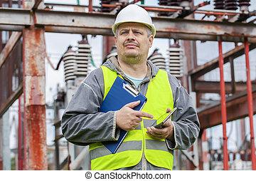 elektriker, gebrauchend, tablette pc