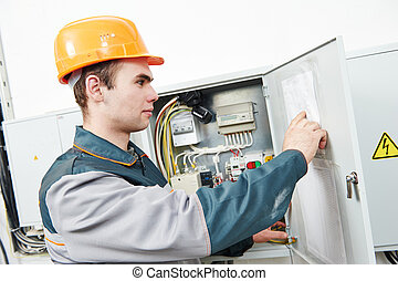 elektriker, ingenjör, arbetare