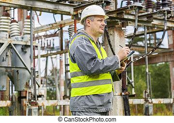 elektriker, schreibende, in, elektrisch