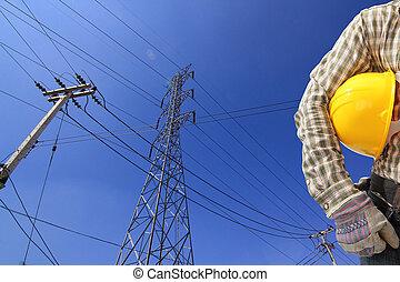 elektriker, und, hochspannung, kraftübertragung- linie, turm, mit, a, stange
