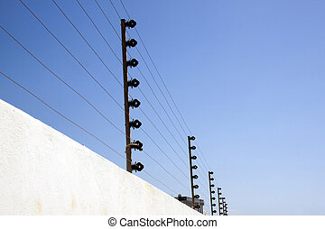 elektrisch, veiligheid, omheining, bovenop, grens, muur
