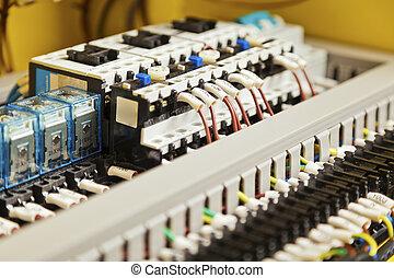 Elektrische verdrahtung, komponenten. Schalter, elektrische ...
