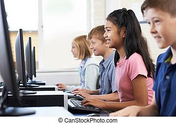 elementair, de klasse van de computer, leerlingen