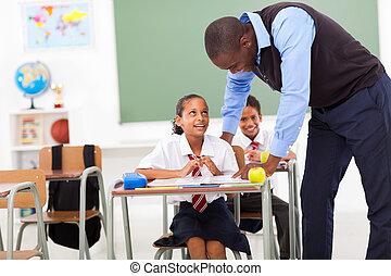 elementar, professor, ajudando, estudante