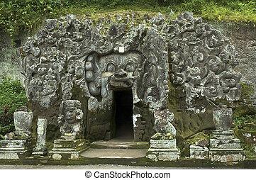 elephant cave, bali