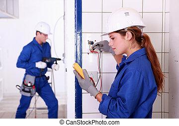 eletricistas, no trabalho