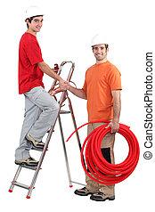 eletricistas, saudação, um ao outro