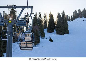 elevador cadeira, montanhas