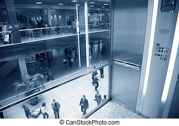 elevador, en, centrocomercial