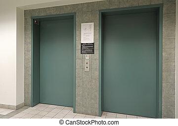elevatori, interno, due
