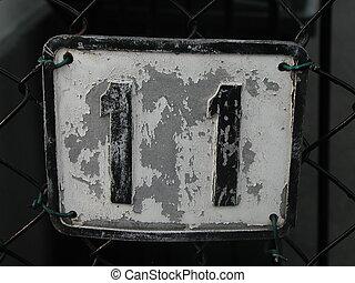 Eleven - Plate