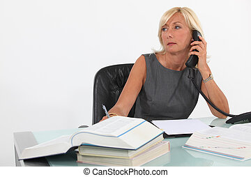 elfoglalt, businesswoman.