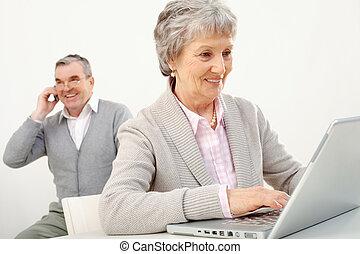 elfoglalt, emberek, idősebb ember
