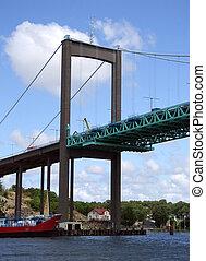 Elfsborgsbron 01 - A suspension bridge called the...