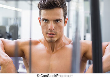 elhatározott, shirtless, fiatal, erős, ember, alatt, tornaterem