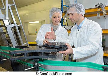 eljárás, munkás, két, labor bőr, termelés, tejcsarnok