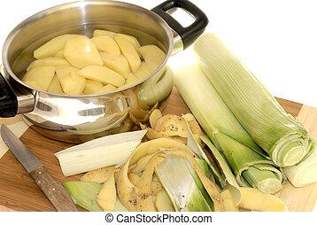 elkészít vacsora, hámlás, krumpli, és, póréhagyma