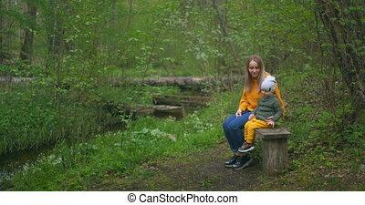 elle, ahead., ruisseau, pointage, lui, regard, séance, mère...