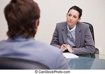 elle, associé, femme affaires, écoute