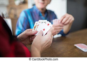 elle, cartes, personne agee, dame, jouer, mari