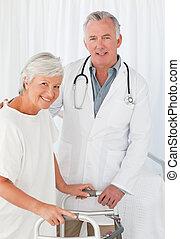 elle, docteur, regarder, appareil photo, patient