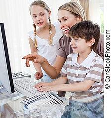 elle, enfants, parent, affectueux, usage, enseignement, comment, informatique