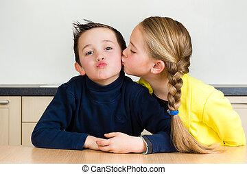 elle, frère, jeune, baiser, girl, donne