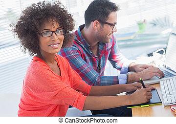 elle, graphiques, graphique, utilisation, tablette, bureau, concepteur