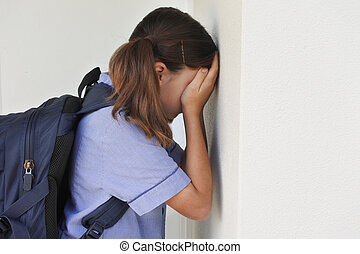 elle, jeune, figure, contre, pleurer, écolière, triste, couverture, mur