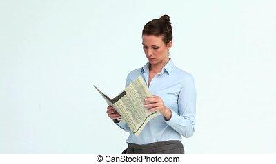 elle, journal, croisement, femme affaires, bras