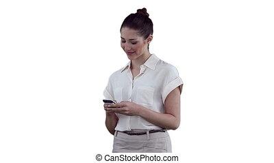 elle, lit, sourire, texte, femme affaires, message