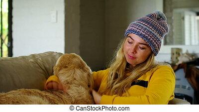 elle, livre lecture, sofa, 4k, femme, chien