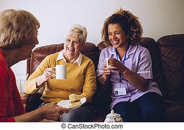elle, malades, partage, temps, thé, caregiver
