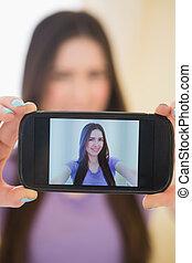 elle, mobile, photo, prendre, téléphone, jolie fille, elle-même