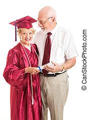 elle, remise de diplomes, personne agee, époux, dame, célébrer